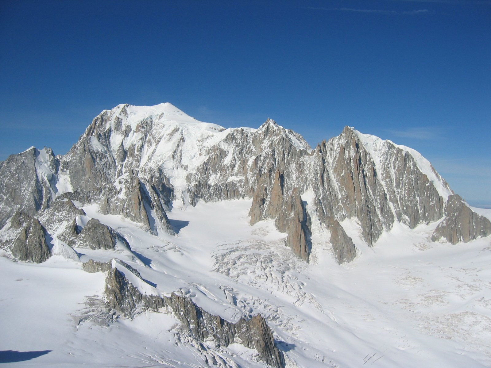 Mont_Blanc,_Mont_Maudit,_Mont_Blanc_du_Tacul